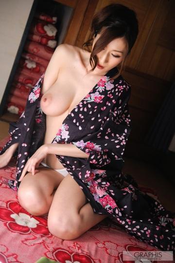 Японское откровенное фото